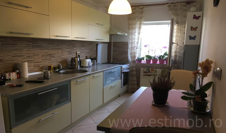 Apartament de vanzare Brasov Astra zona Judetean