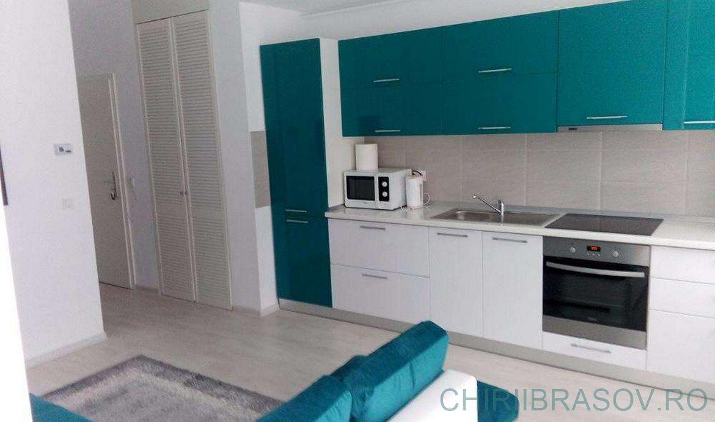 Chirie 2 camere tip studio zona Mall Coresi Brasov