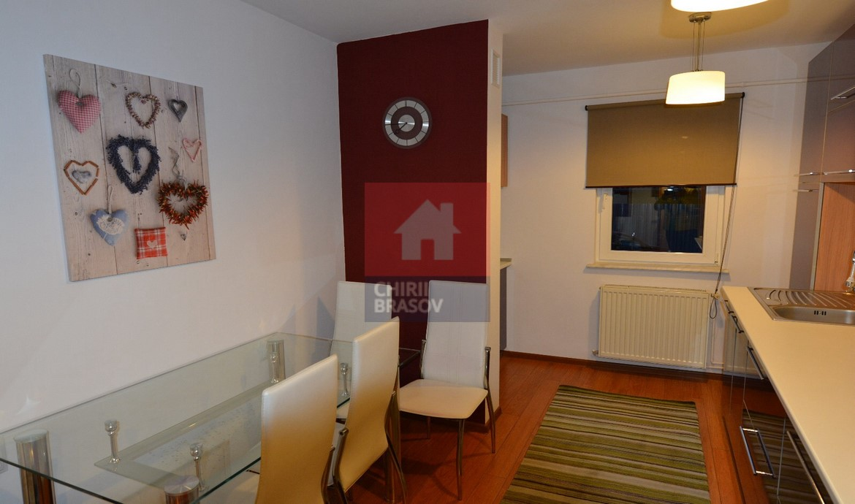 Apartament 3 camere de inchiriat zona Spitalul Judetean